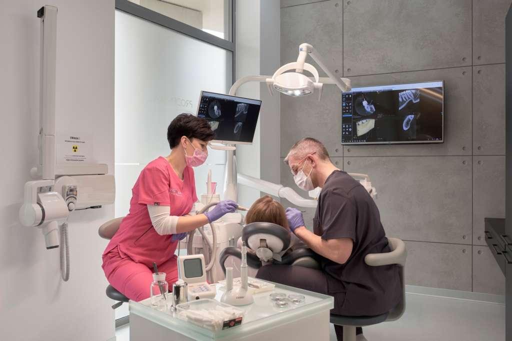 Implanty zębów Warszawa Centrum